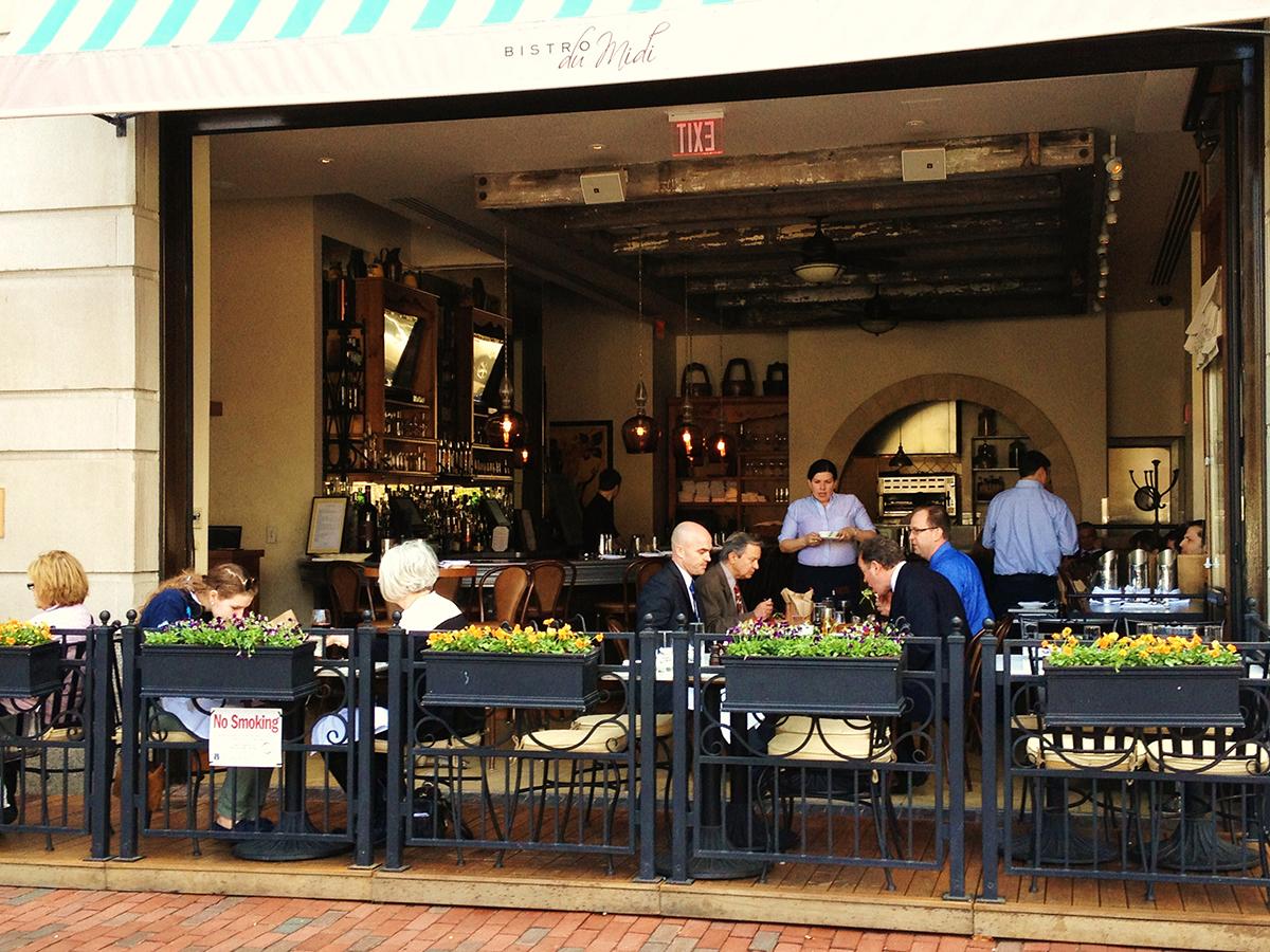 Bistro-du-Midi-outdoor-dining-patio-deck-al-fresco