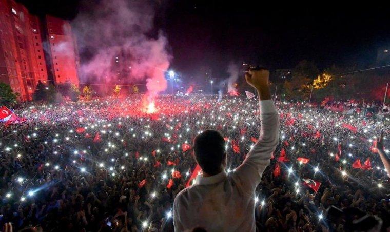ekrem-imamoglu-kazandi-istanbul-uyumuyor-turkiye-cosuyor
